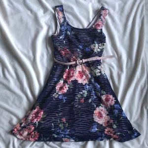 Cute floral dress with belt